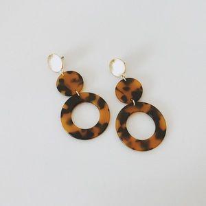 Minimal Tortoise Shell Drop Earrings